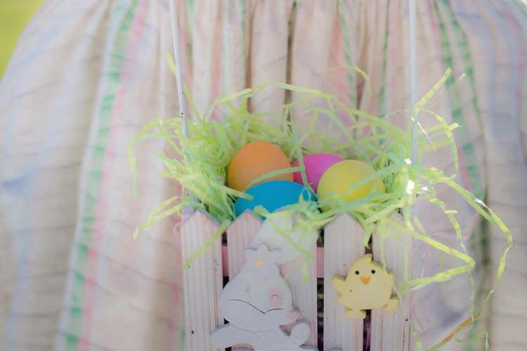 Painted Easter Crackers