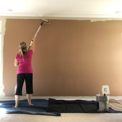 painting a wall in minutes with Wagner Roller on Sugar Bananas