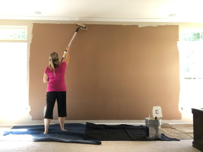 how to paint a room painting a wall in minutes with Wagner Roller on Sugar Bananas
