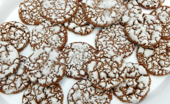 Tray of Iced Oatmeal Cookies on www.sugarbananas.com