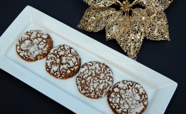 Plate of iced oatmeal cookies on www.sugarbananas.com