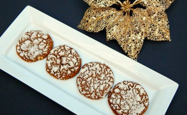 bright plate of iced oatmeal cookies on www.sugarbananas.com